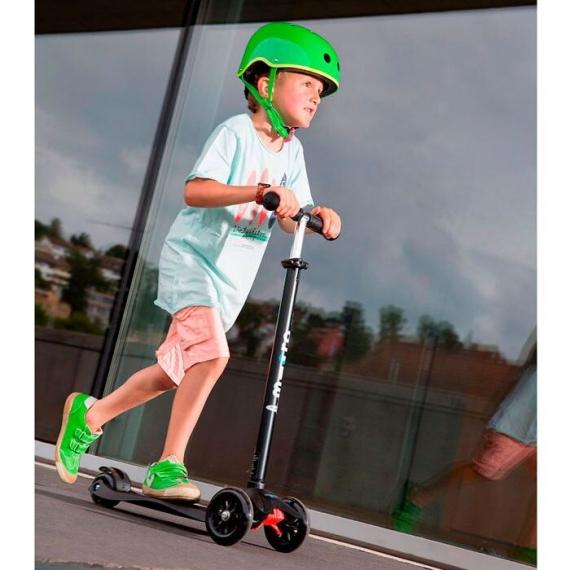 Самокат Maxi Micro T черный для детей от 5 до 12 лет