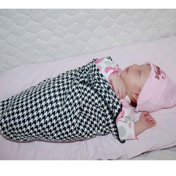Фланелевая пеленка для новорожденного SwaddleDesigns Black Puppytooth