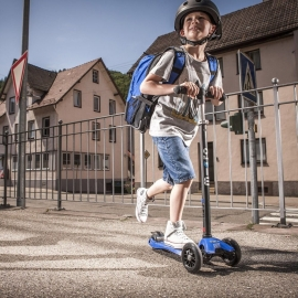 Самокат Maxi Micro T синий для детей от 5 до 12 лет